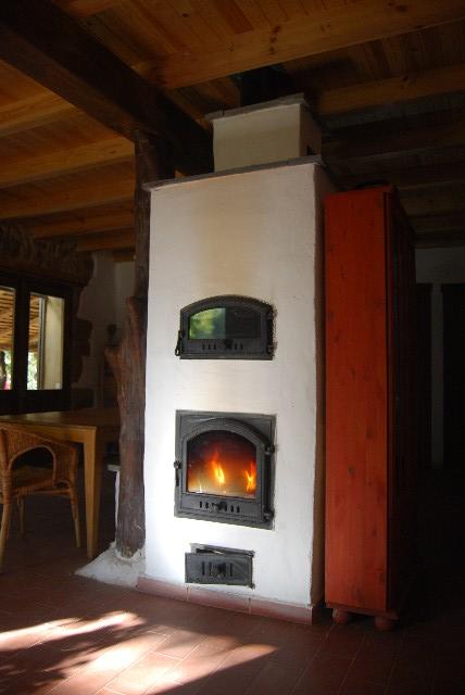 Estufa de Inercia Rusa con banco caliente y horno
