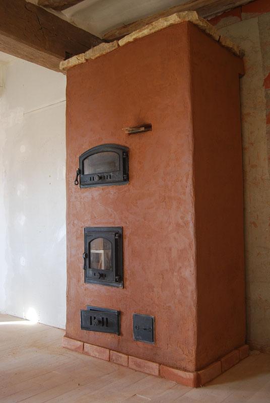 Estufa de Inercia en primera planta de un caserio.
